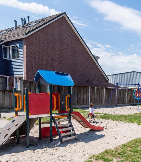 Speelveldje in Nieuwstraatkwartier in Almelo opgeknapt, dit is het resultaat