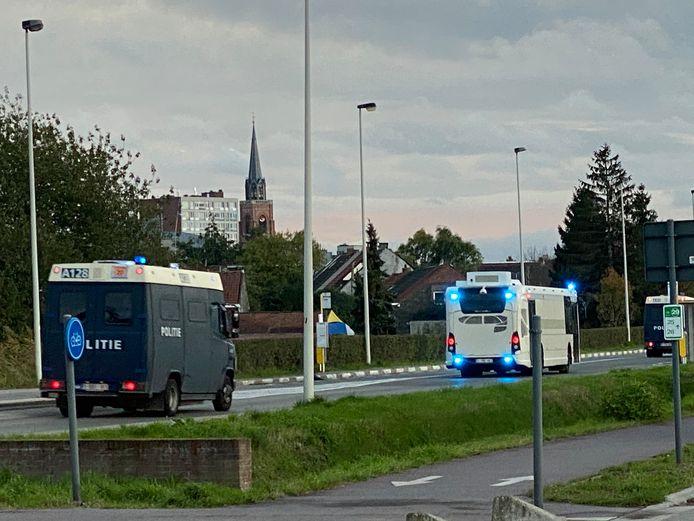 De politie zakte met groot geweld af richting Boom na verontrustende berichten.