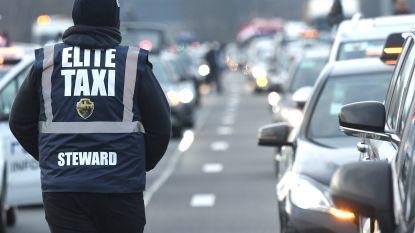 Taxichauffeurs leggen verkeer in Brussel lam