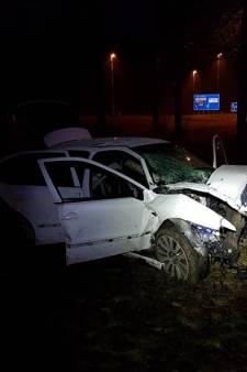 Auto gecrasht op A6 bij Lelystad, gewonde inzittenden spoorloos