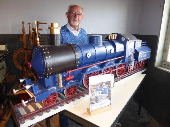 Jan van Boxmeer bouwde de Blauwe Brabander na op schaal voor SIEMei.