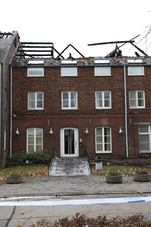 Een zware brand verwoestte een deel van het asielcentrum.