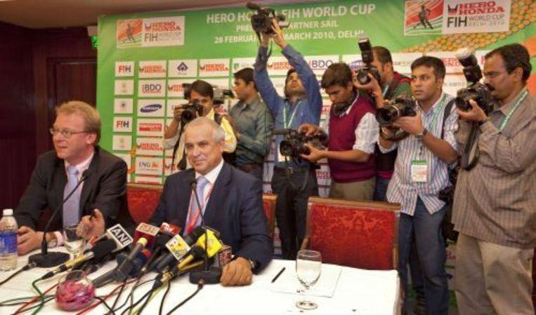 De Spaanse voorzitter van de internationale hockeyfederatie FIH, Leandro Negre, werd aan de vooravond van het wereldkampioenschap voor mannen weggehoond door tientallen journalisten uit voornamelijk het gastland India. ANP Beeld