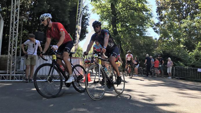 De vierde Tour d'Utrecht is vanmorgen gestart op het Jaarbeursplein