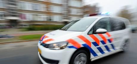 Buurtbewoners Baarn overmeesteren vandaal die minimaal 3 auto's sloopt