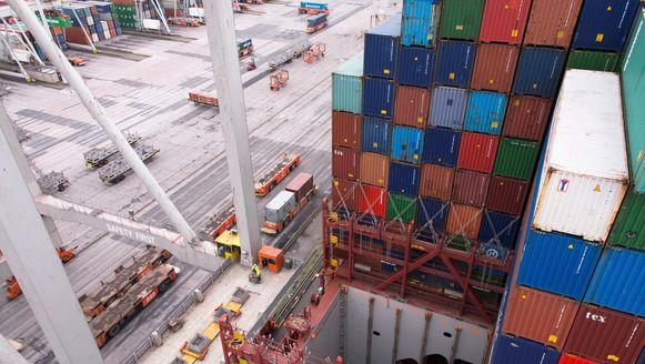 Containers in de haven van Rotterdam.