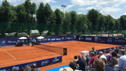 """De nieuwste 'maffia-plaag' in het tennis: """"Ze zitten ergens verdoken in de tribunes en zijn echte professionals. Hun gsm halen ze niet eens boven"""""""