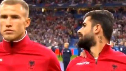Comedy capers: Albanezen krijgen verkeerde volkslied te horen, ook stadionomroeper gaat de mist in