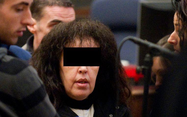 El Aroud, de zogenaamde 'zwarte weduwe van de jihad', raakte haar Belgische nationaliteit kwijt in november 2017, nadat ze een celstraf had uitgezeten van acht jaar voor feiten van terrorisme.