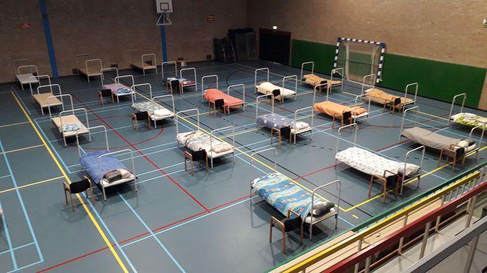 Sporthal De Braak in Helmond blijft nog zeker tot eind september open als opvangplek voor dak- en thuislozen.