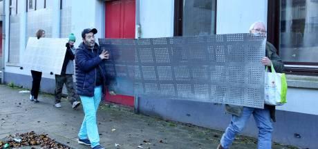 Actie in Tweebosbuurt: Slooppanden weer opengebroken