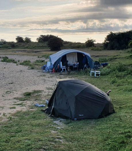 Boswachter betrapt Duits gezin dat kampeert bij Bisonbaai: 'Sie kanst hier nicht kämpfen'