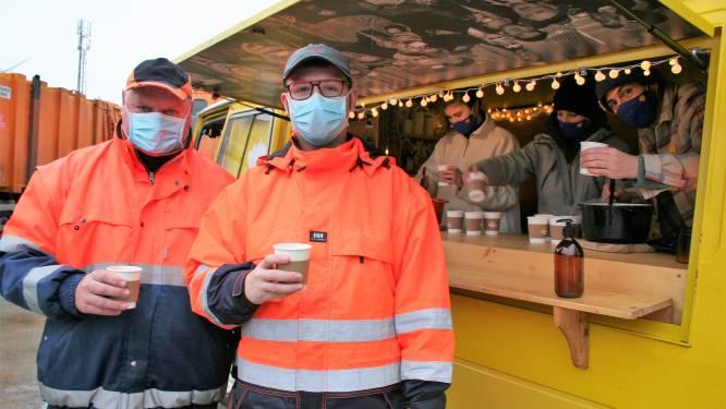 Dieter van Down the Road serveert soep aan afvalophalers en parkwachters IDM