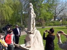 Herstelde beelden onthuld in Emile van Loonpark, 'Echt een verrijking'