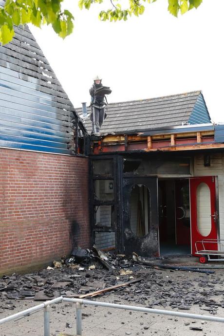 Dak basisschool Lieshout flink beschadigd door brand