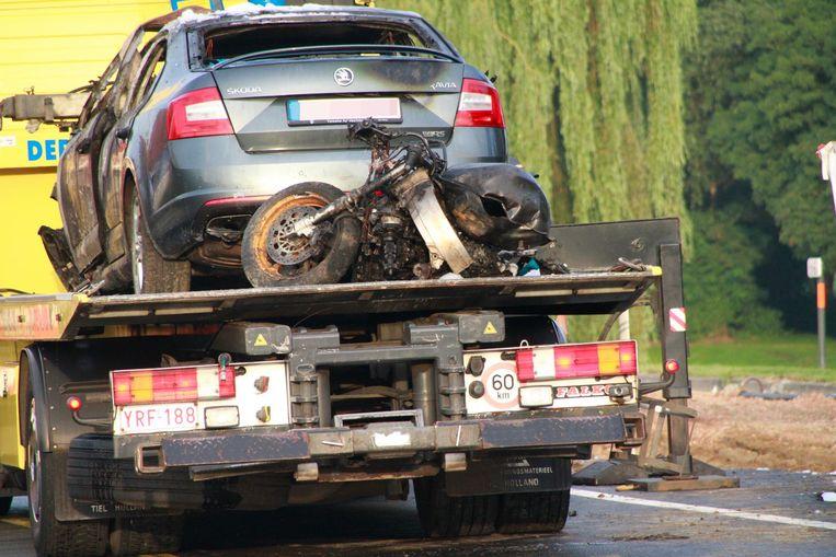 De motor van Frédéric was tot schroot herleid na het dodelijk ongeval.