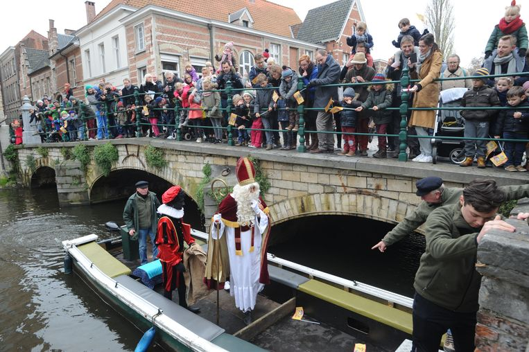 Naar jaarlijkse gewoonte komt Sinterklaas naar Lier. Deze foto is van een vorige doortocht.