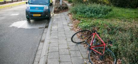 Wielrenner gewond door botsing met auto in Drempt