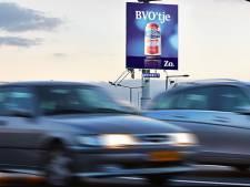 Baarn buigt zich voor vierde keer over hoge reclamezuil langs A1