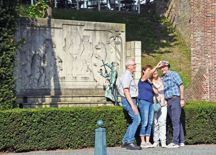 Het beeldje van Reynaert de Vos bestaat 80 jaar.
