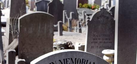 Tranen om verkeerde lettertype op grafsteen 'opa Knor' in Enschede