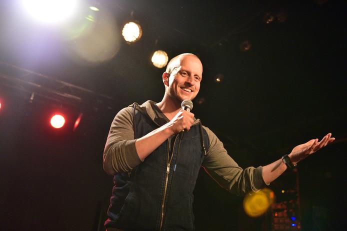 Stand-upcomedian Jeroen Jonker: ,,De grapdichtheid moet hoog zijn.'' Jonker treedt op 28 februari zelf ook op in StudioGonz.