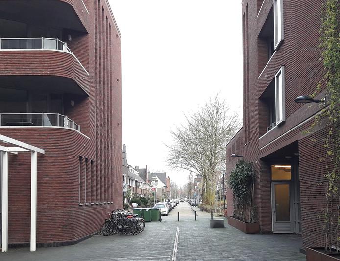 Nieuwbouw van Breda Vooruit met een doorkijkje naar de Kwartelstraat in Belcrum.