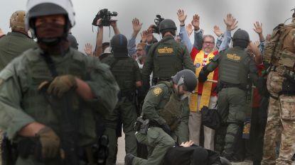 Politie arresteert 32 personen in San Diego tijdens Quaker-manifestatie om migranten te steunen