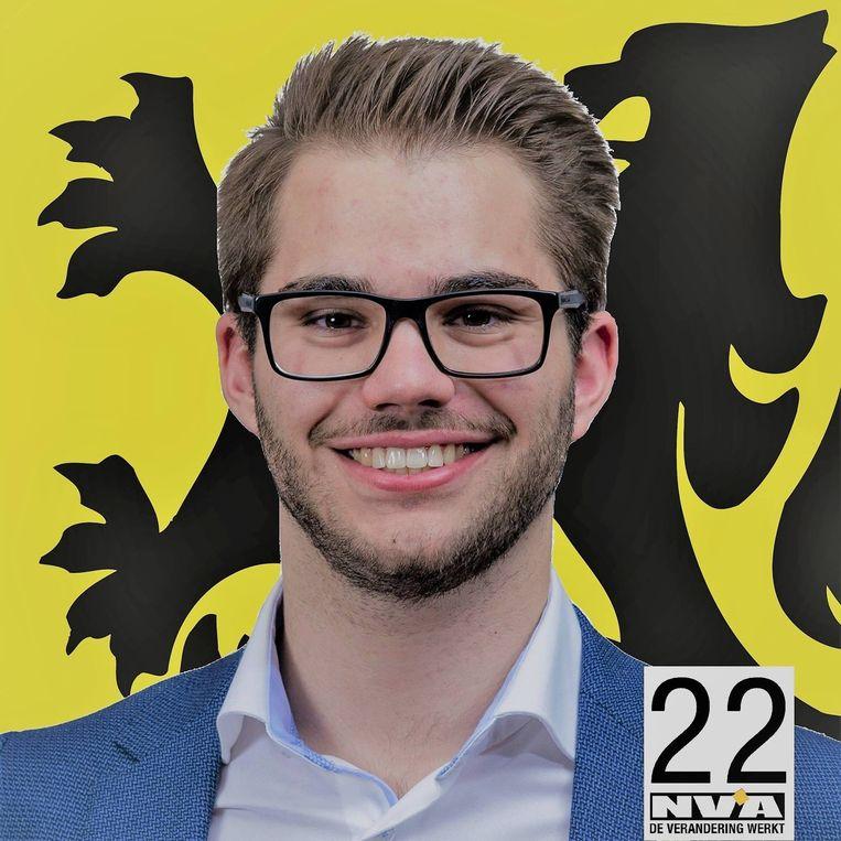 Stijn Everaert stapt op bij de Aalsterse fractie van N-VA nadat hij werd gelinkt aan de jongerenbeweging Schild & Vrienden.