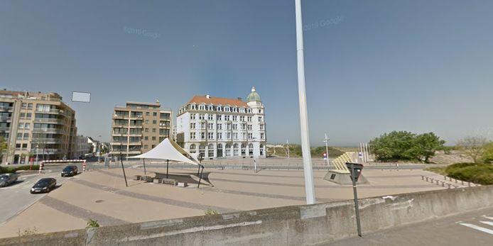 Het stationsplein van Zeebrugge.