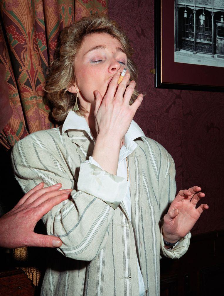 Paul Graham - Woman smoking cigarette, uit de serie New Europe. Beeld Pace/Mac Gill Gallery