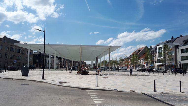 Het Marktplein kan een poetsbeurt gebruiken na tal van zomeractiviteiten.