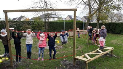 Basisscholen De Puzzel laten kinderen los op 'apenparcours'
