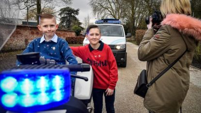 Politiezone laat kinderen opnieuw communiefoto's nemen