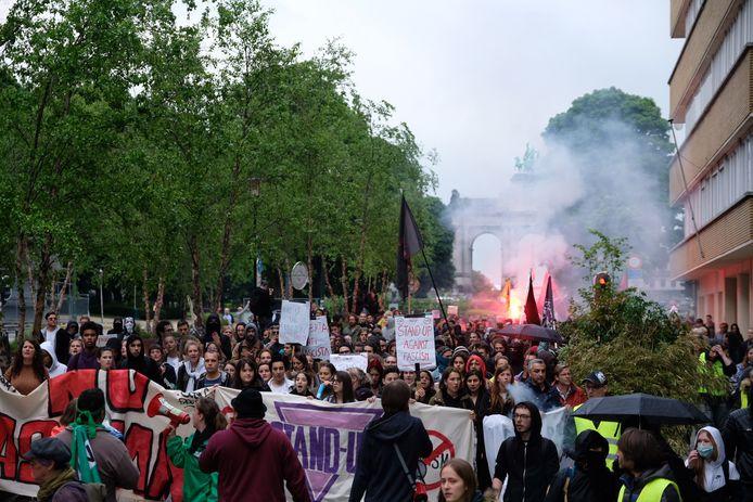 De betogers trokken door de Europese Wijk naar het Jubelpark.
