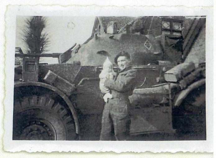 'Just call him Johnny', zei een soldaat tegen Johan en Arnolda Klinkhamer uit Westerhaar over hun pasgeboren zoon. En zo geschiedde.
