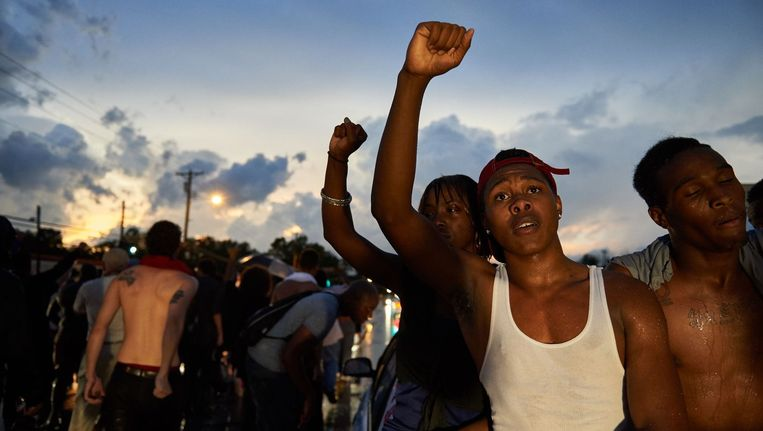 Demonstranten in Ferguson in de zomer van 2015. Beeld anp