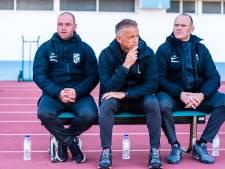 Nicky Hofs trainer Vitesse Onder 21, Tim Cornelisse zijn assistent