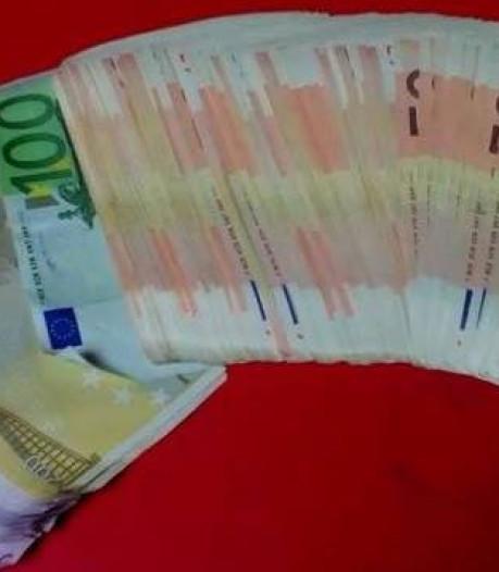 Albanees met bijna 20.000 euro op zak uit trein gehaald