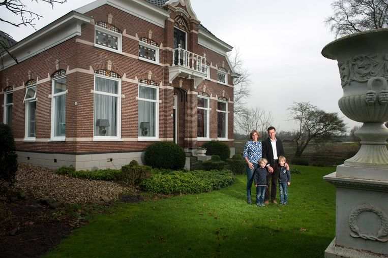 De monumentale boerderij van Pieter Bouwman en zijn gezin in Siddeburen.  Beeld Reyer Boxem