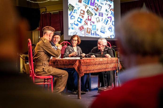De Aarlese Revue draaide compleet om de Tweede Wereldoorlog en de bevrijding.