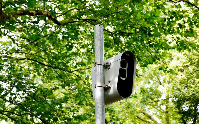 In Overvecht en Kanaleneiland worden drie nieuwe flitspalen geplaatst om te hard rijden en door rood rijden te voorkomen.