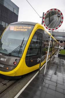 Hele dag geen trams op Uithoflijn door defecte bovenleiding en beschadigde trams
