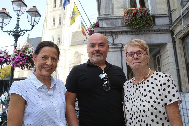 Samen met onder meer Nico Degroodt en Annemie Minten trekt Marie-Claire Loozen (links) met De Burgerbeweging naar de gemeenteraadsverkiezingen.