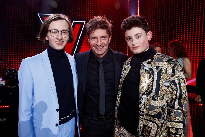 Wannes (rechts) met z'n coach Koen Wauters (midden) en 'The Voice'-winnaar Ibe (links).