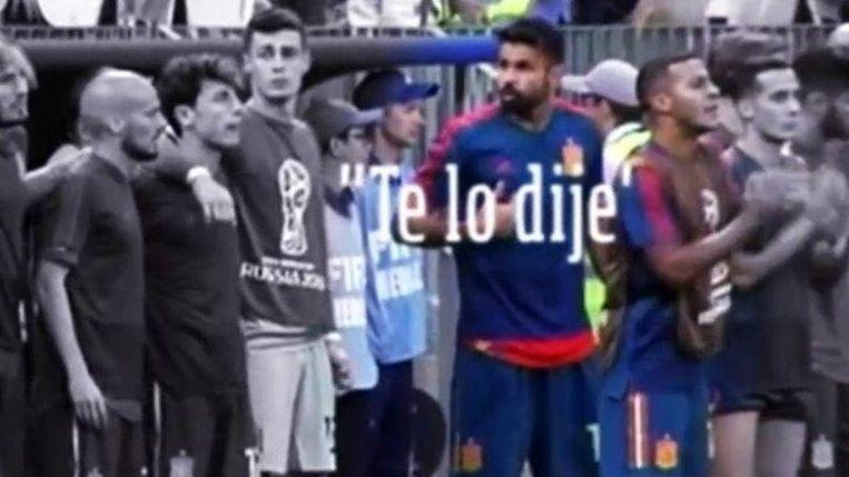"""""""Ik had het je nog zo gezegd"""", lijkt Diego Costa naar zijn coach te gebaren."""