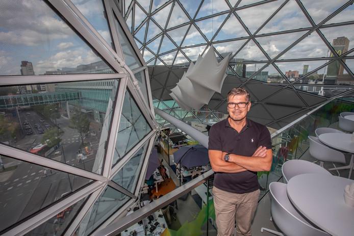Walter van de Wege is met het hoofdkantoor van Happy Horizon gevestigd op de bovenste verdiepingen van de Blob in de Eindhovense binnenstad.