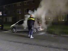 Auto gaat in vlammen op in Hengelo