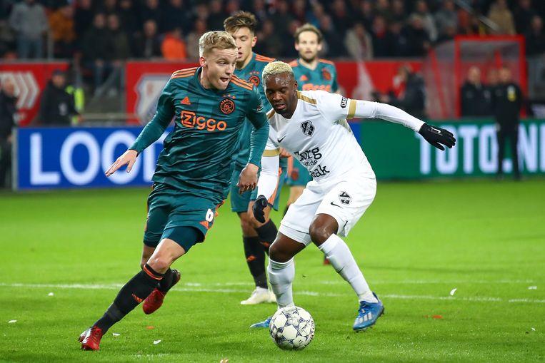 04-03-2020: Voetbal: FC Utrecht v Ajax: Utrecht TOTO KNVB Beker 2019-2020 Donny van de Beek of Ajax, Jean-Christophe Bahebeck of FC Utrecht Beeld BSR Agency