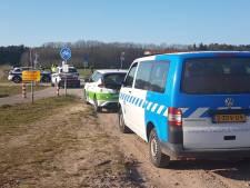 Groep van 75 crossers luistert niet als politie ingrijpt, 'onacceptabel gedrag' gaat gewoon verder